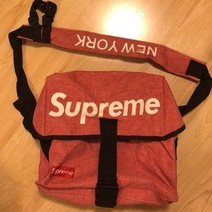 Supreme messenger bag